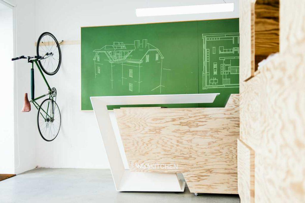 Stehpult für Büro- Ries ProDesign – DI Jana Ries - Innenarchitektur Linz